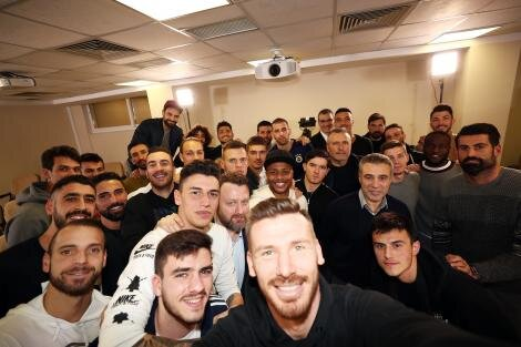Fenerbahçe'den çok farklı imza töreni!