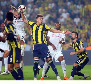 Beşiktaş - Fenerbahçe derbisi öncesinde iki farklı yorum