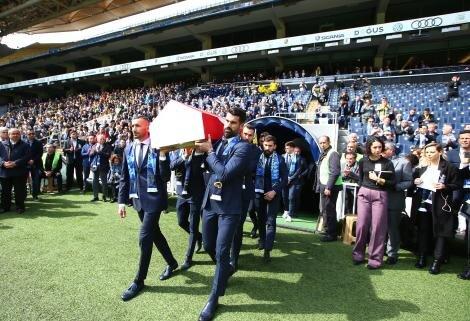 Fenerbahçe efsanesi Can Bartu, son yolculuğuna uğurlandı