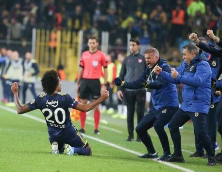 Spor yazarları, Fenerbahçe - Gençlerbirliği karşılaşmasını değerlendirdi