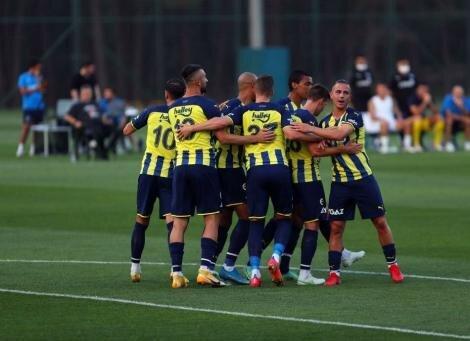 Fenerbahçe'nin sağ bek listesinde Cedric favori