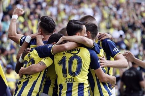 Fenerbahçe'de baş döndüren takvim!