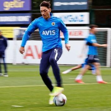Vitor Pereira'dan Mesut Özil'e özel görev!
