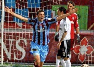Genç Trabzonlu Kartal'ı vurdu!