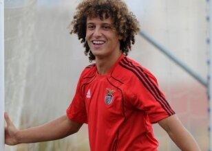 Chelsea'de David Luiz resmen açıklandı