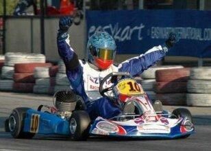 Şampiyon kartingci toprağa verildi