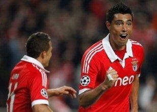 Benfica Cardozo ile coştu!