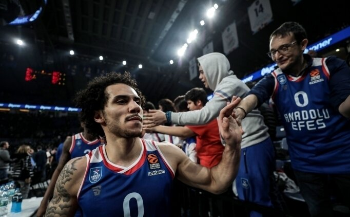 'EUROLEAGUE MVP'Sİ LARKIN'