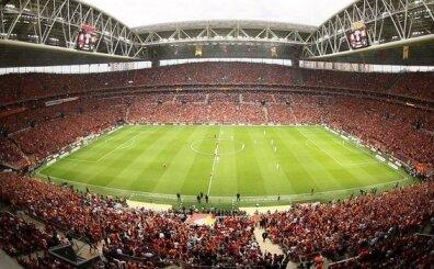 Galatasaray'da yeni transferler geldi, kombine bilet  kalmadı