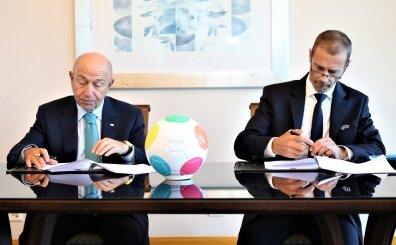 UEFA 'öncelikli' kararını verdi; 'Maçlar başlasa seyircisiz olur'