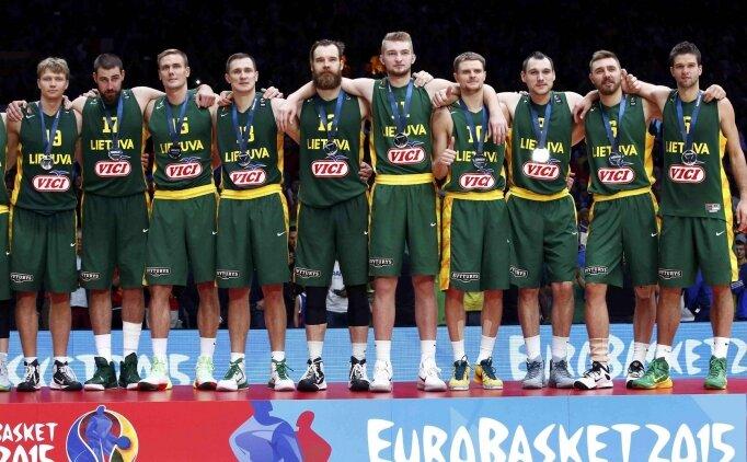 Binlerce Litvanyalı kahroldu!