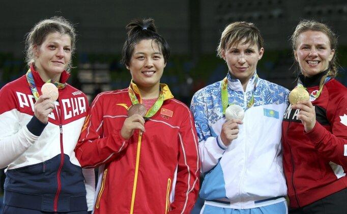 Kazakistan'da olimpik sporculara kutlama