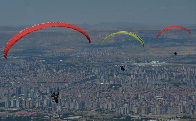 Ali Dağı Yamaç Paraşütü Şampiyonası'nda 130 sporcu