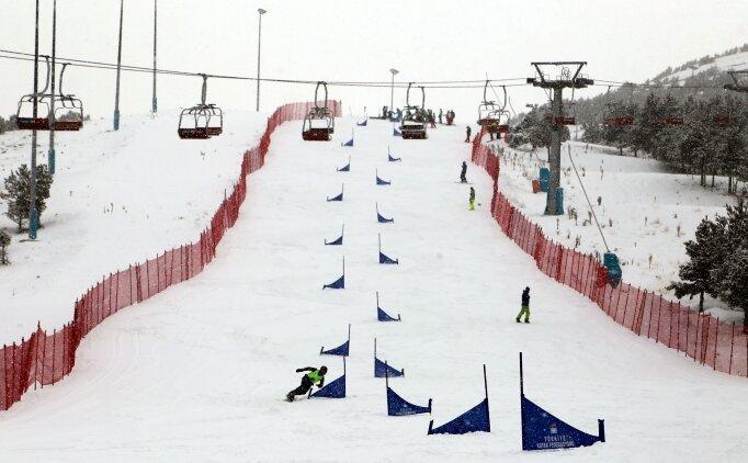 Snowboard sporcuları, milli takım için yarıştı