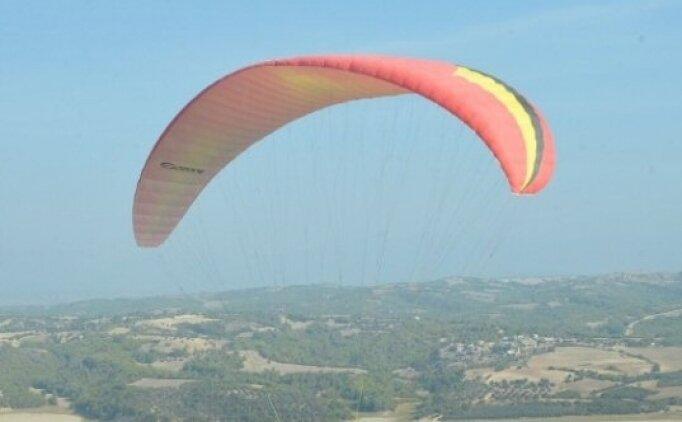 Adana'da Yamaç Paraşütü heyecanı