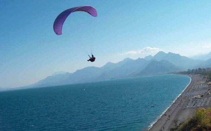 Yamaç paraşütçüleri Anamur'da buluştu