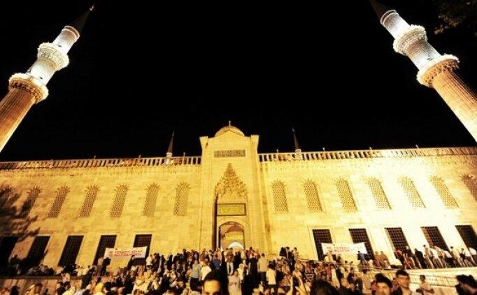 Kadir Gecesi'nde neler yapılır? Kadir Gecesi nasıl ibadet edilir?