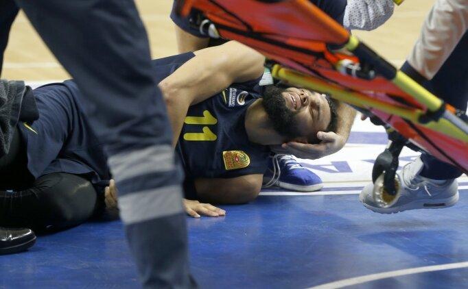 Fenerbahçe'de korkunç sakatlık: Hastaneye kaldırıldı