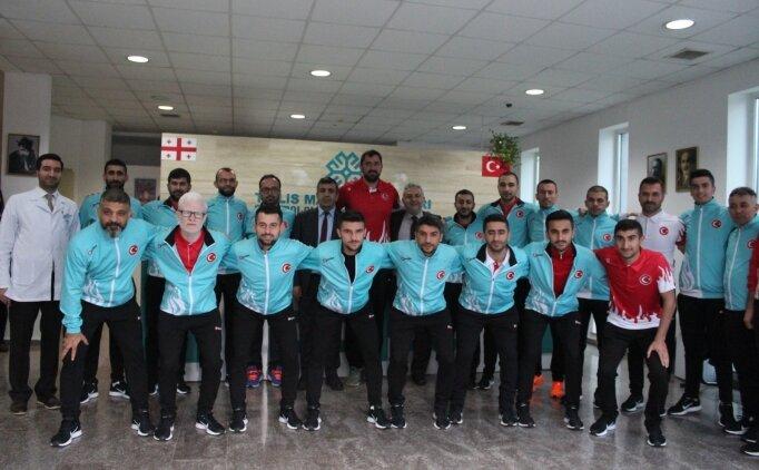 Görme Engelli Futbol Takımı'ndan Tiflis'e ziyaret