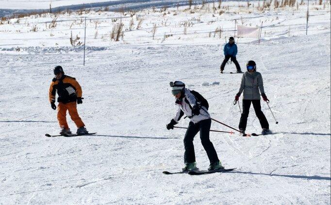 Erciyes'te kayak sezonu açıldı