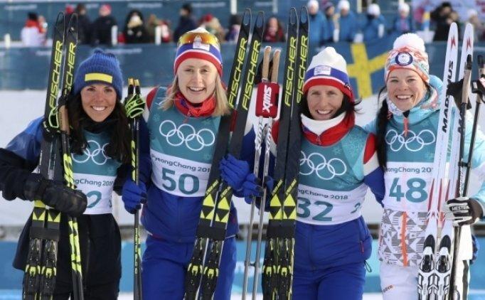 Kadınlar kayaklı koşuda altın Norveç'in
