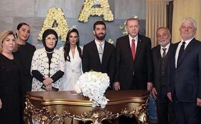 Arda Turan'ın nikahında pasta kesilmedi, müzik çalmadı