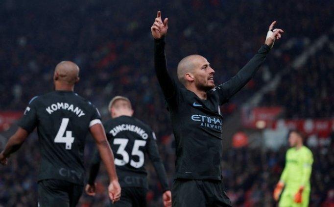 Manchester City yine kazandı! Kaldı 3...