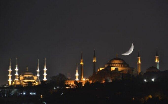 Kadir Gecesi namaz saatleri (10 Haziran Pazar) Kadir Gecesi yatsı ezanı saat kaçta?