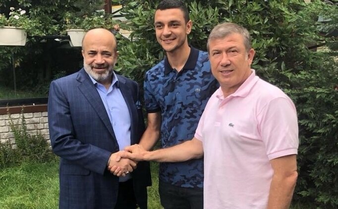 Adana Demirspor, Bursaspor'dan Rüştü'yü kadrosuna kattı