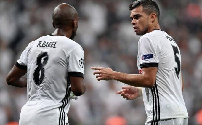 Ryan Babel ve Adriano'dan transfer kararı!