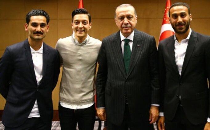 Cumhurbaşkanı Erdoğan, Türk futbolcuları kabul etti!