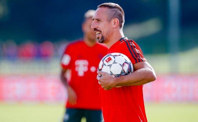 Franck Ribery maç devam ederken stattan ayrıldı!