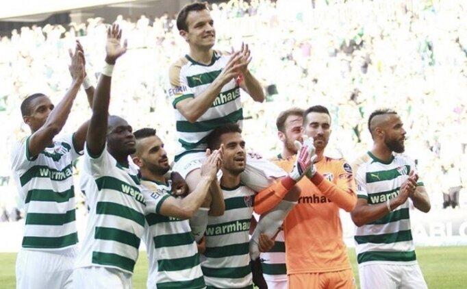 Bursasporlu futbolculardan Batalla'ya veda