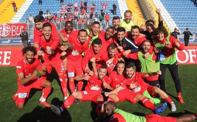 Antalyaspor istatistiklerle değil, yürekle zirveye yürüyor