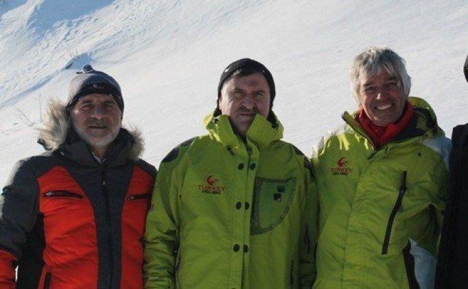 Spor Bakanı Aşkın Bak Kaçkar Dağları'nı havadan inceledi