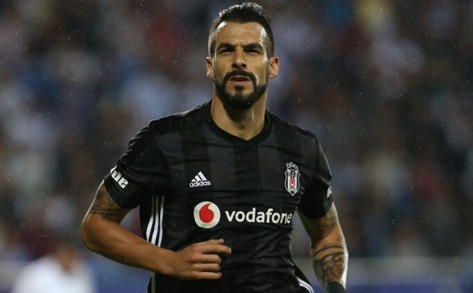 Beşiktaş, akademiyi Negredo ile yapacak!