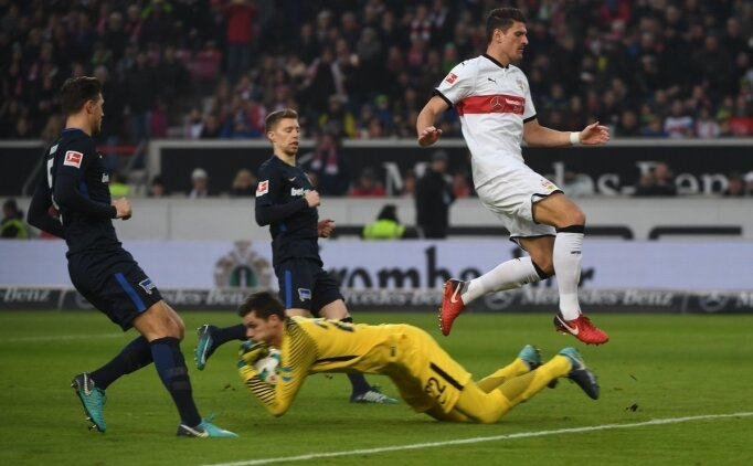 Mario Gomez, ilk maçında Stuttgart'a galibiyeti getirdi!