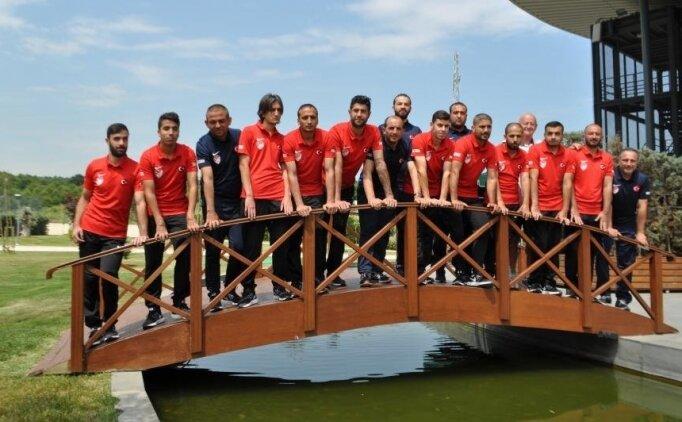 Dünya şampiyonası öncesi 'Turkcell Sesi Görenler'e konuk oldu!