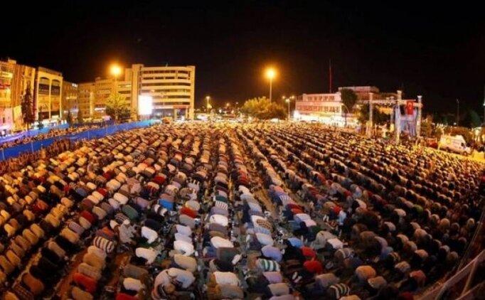 Arefe günü teravih namazı saat kaçta? İstanbul son teravih namazı saati