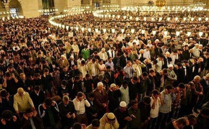 Yatsı namazı saat kaçta? Ramazan ayı yatsı namazı saatleri 2018, Teravih namazı saati