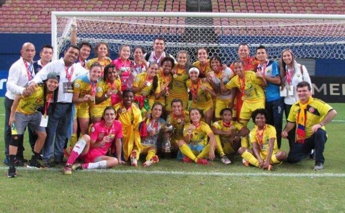 Kadınlar şampiyon oldu, parayı erkek takımı alıyor!