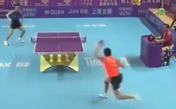 Masa tenisinde çılgın ralli