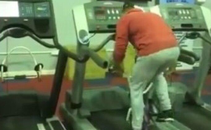 Koşu bandını zekasıyla yenen adam