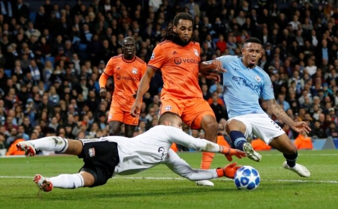 Manchester City, Denayer ve Marcelo'yu aşamadı!