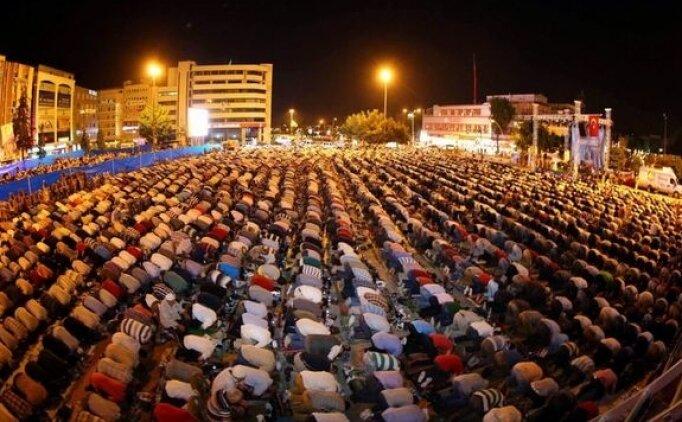 Teravih namazı saat kaçta? 2018 Ramazan ayı İstanbul Terravih saatleri