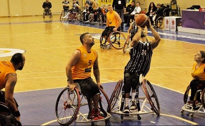 Tekerlikli sandalyede derbi Galatasaray'ın