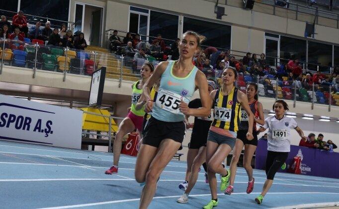 Turkcell'li atletler Salon'da altın arıyor
