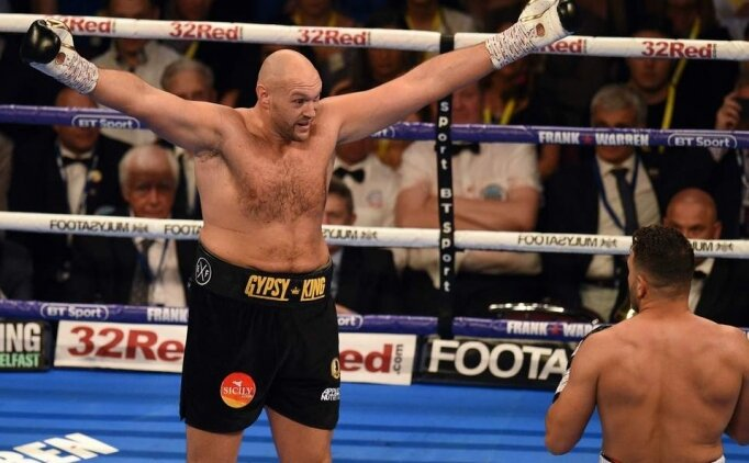 Tyson Fury ringe döndü