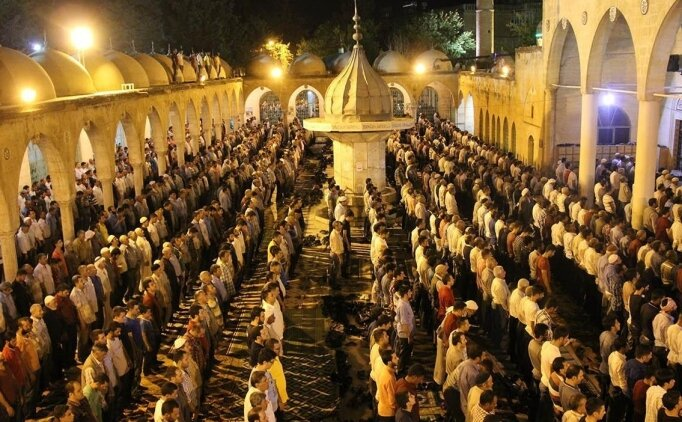 Namaz vakitleri 17 Mayıs, Akşam ezanı, yatsı namazı saat kaçta okunacak? İl il ezan saatleri