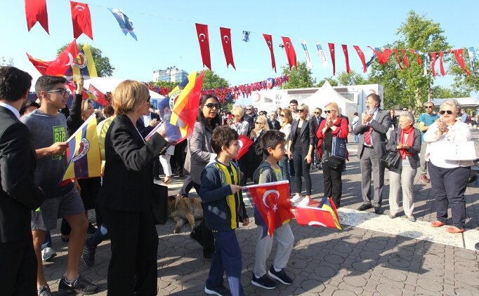 Fenerbahçe Kulübünden Ata'ya Saygı Yürüyüşü